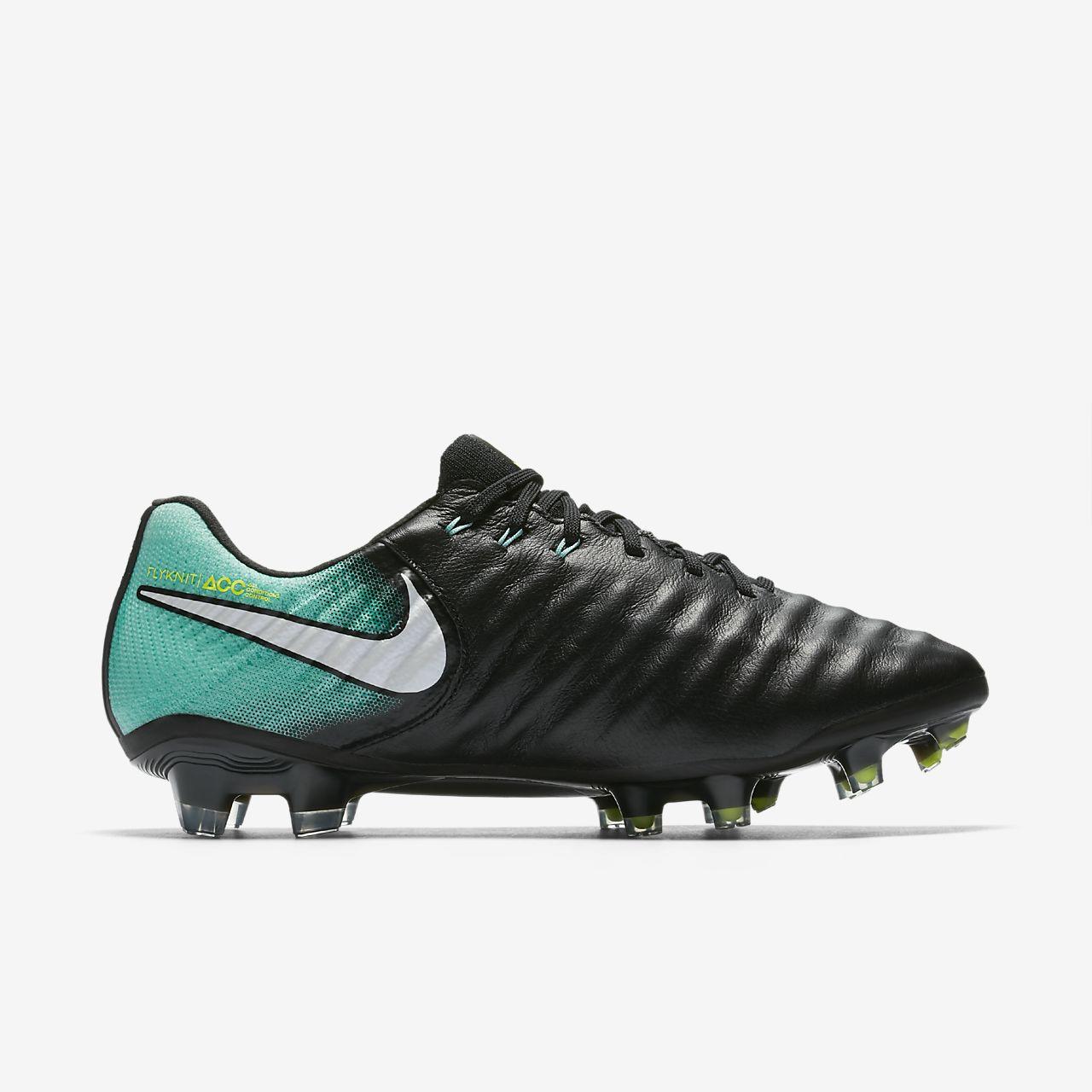 chaussure de foot fille nike