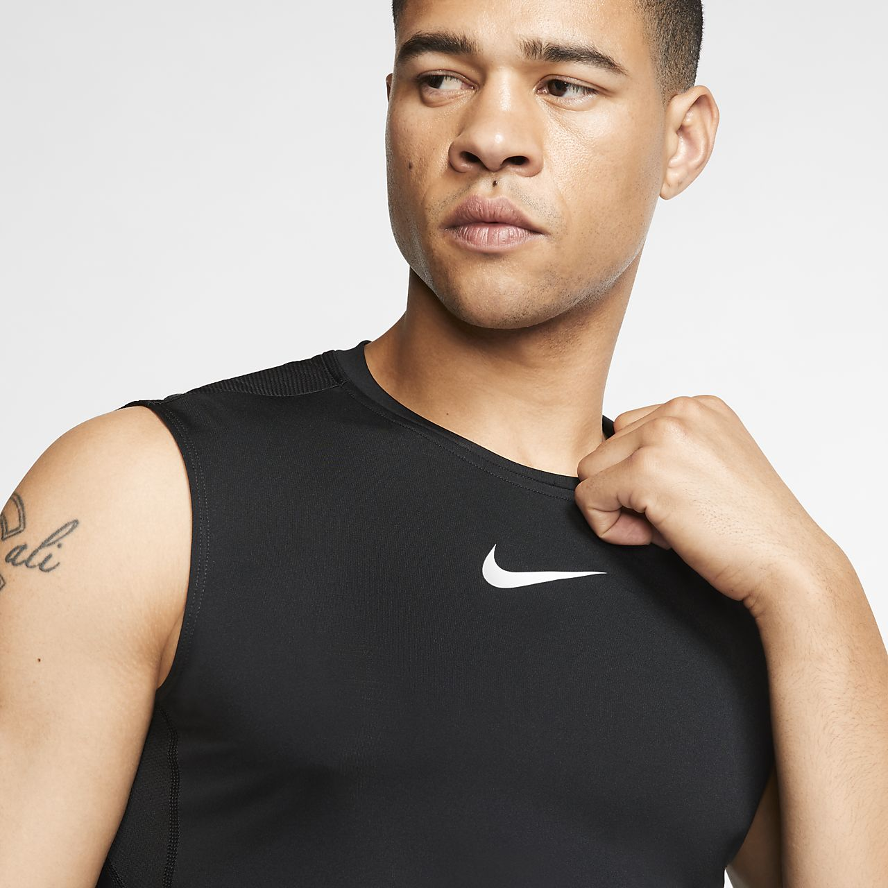 71eabe7630a30 Nike Pro Men s Sleeveless Fitted Top. Nike.com
