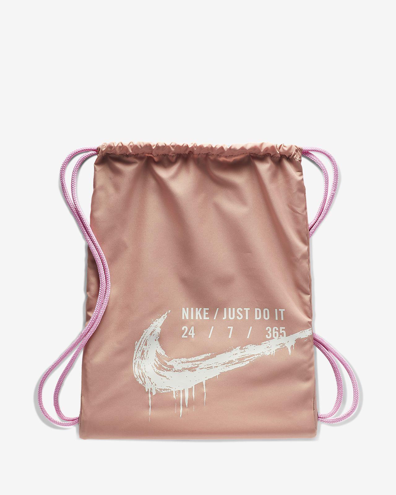 Nike Grafikli Spor Çantası