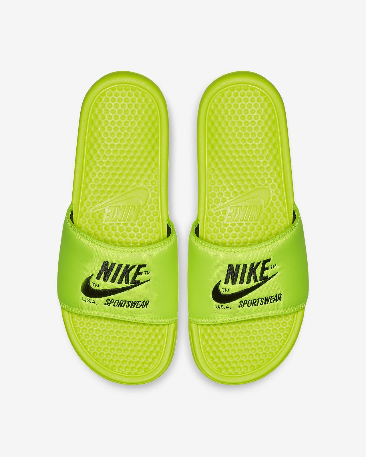 official photos b4f79 3d3fa ... Claquette Nike Benassi JDI TXT SE pour Homme