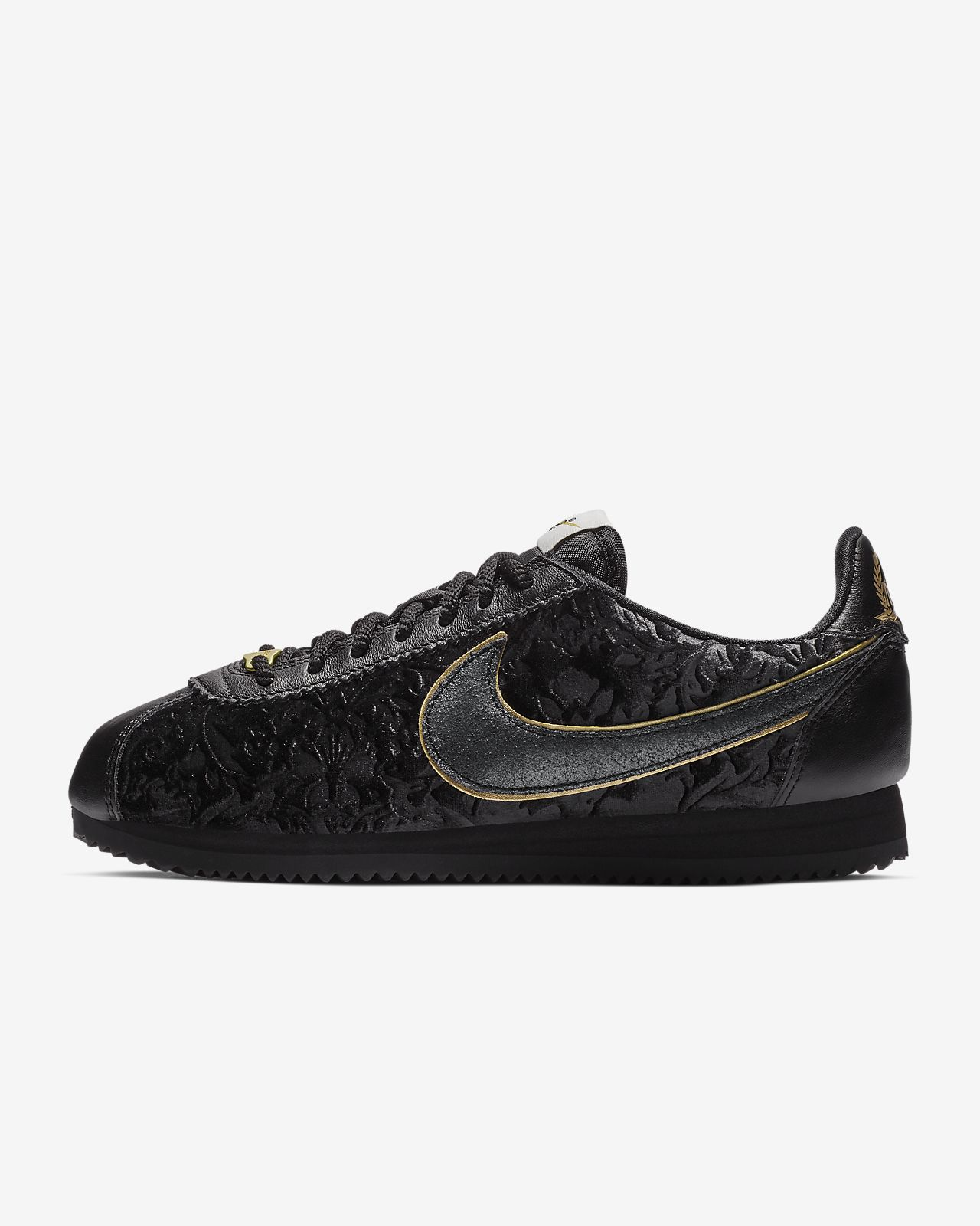 official photos a97ba dded1 Nike Classic Cortez SE