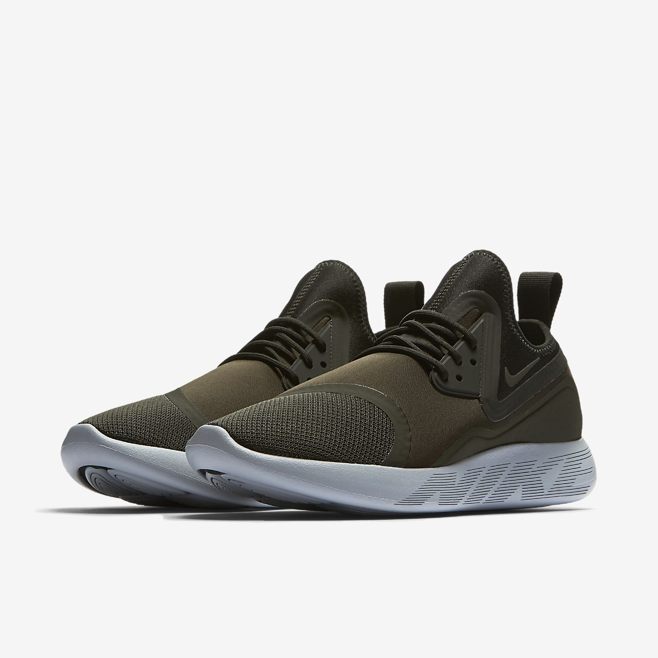 ... Chaussure Nike LunarCharge Essential pour Homme