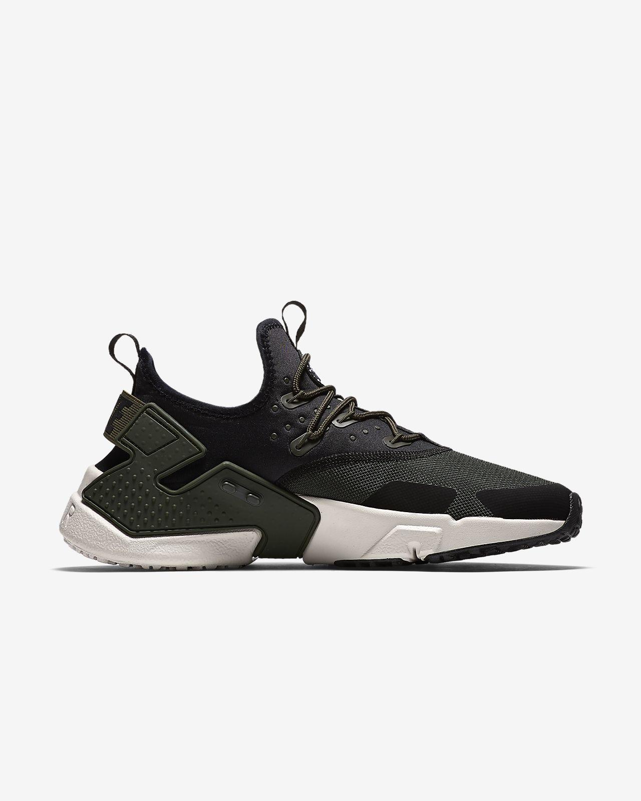 A buon mercato Nike hurache Nero Taglia 7