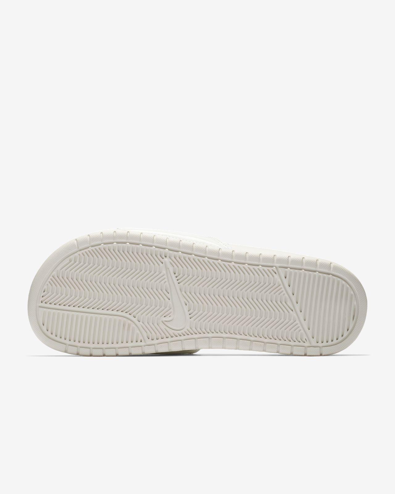 best cheap a7c94 f6d7c ... Claquette Nike Benassi JDI Sheen pour Femme