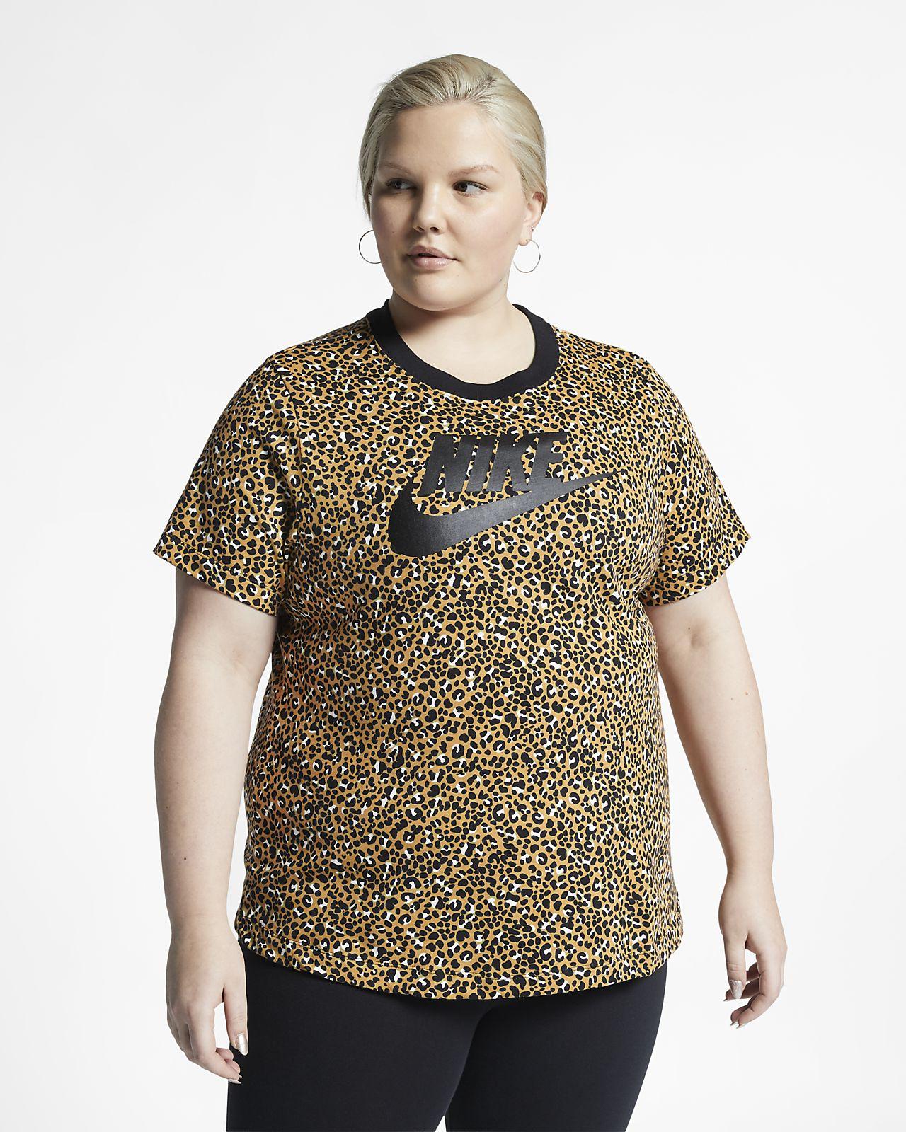 Kortærmet Nike Sportswear Animal Print-top (Plus Size) til kvinder