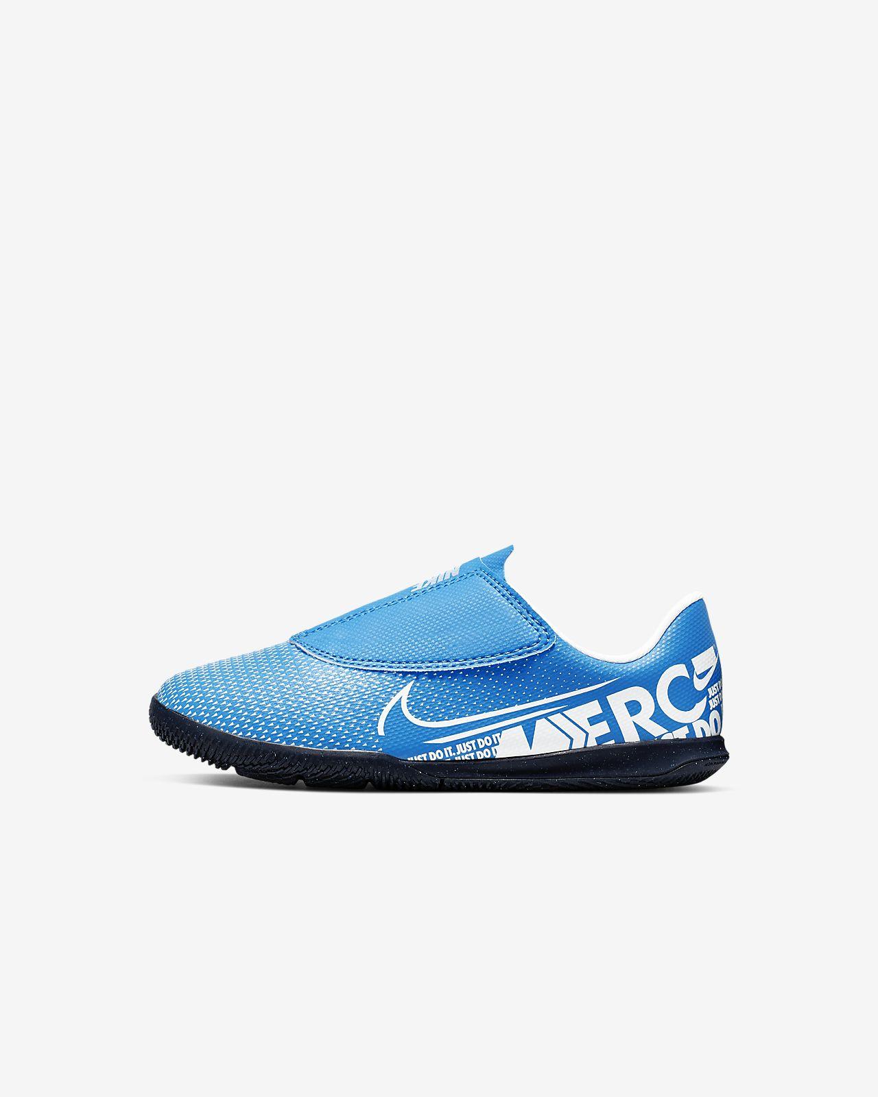 Nike Jr. Mercurial Vapor 13 Club IC-fodboldsko til indendørs til små børn