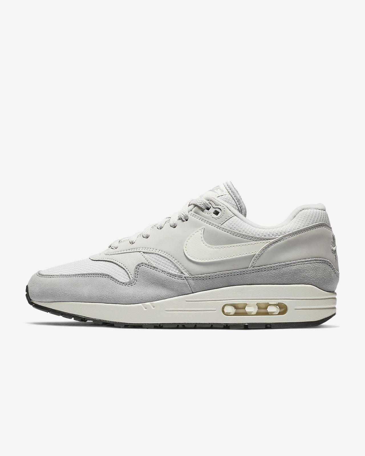c683e9bb3096e3 Nike Air Max 1 Men s Shoe. Nike.com AT