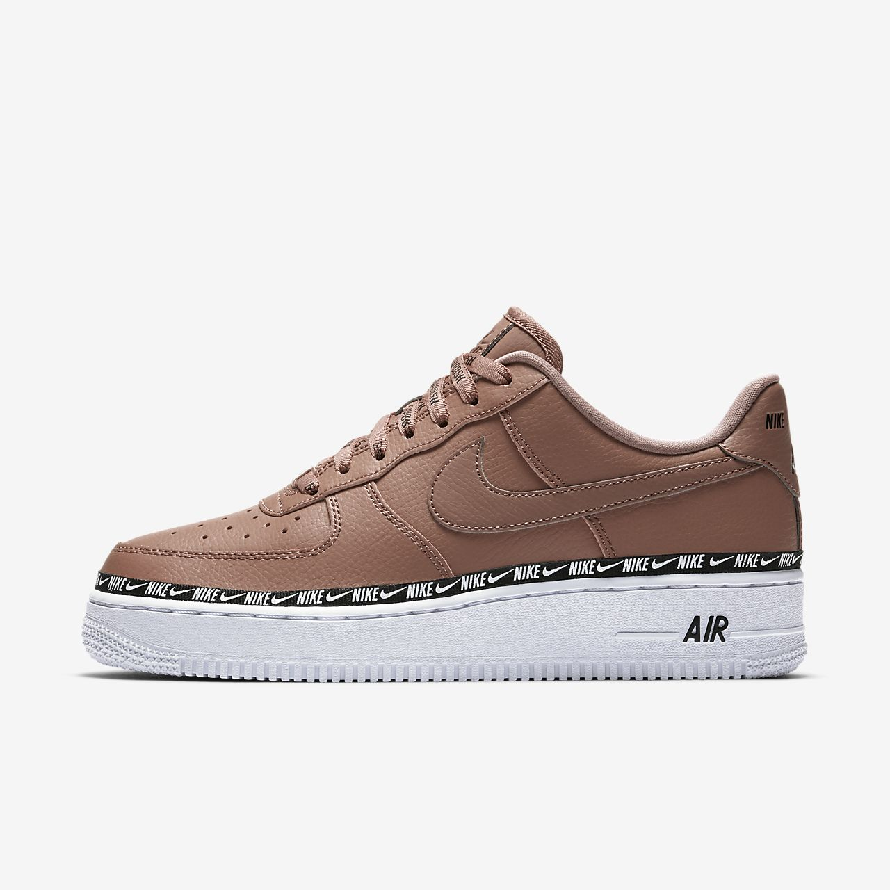 sports shoes d9390 4786f Chaussure Nike Air Force 1 07 SE Premium Logo pour Femme