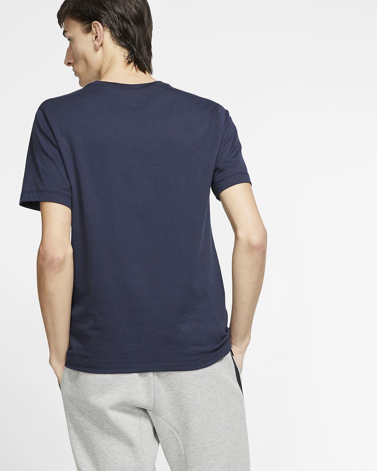 7b1a3a6e31213e Nike Sportswear Men s T-Shirt. Nike.com ID