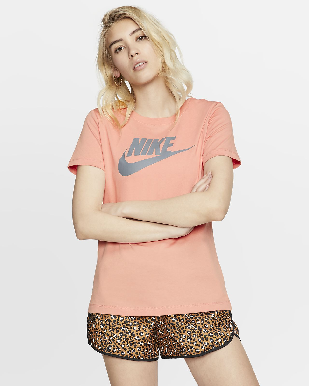 Футболка Nike Sportswear Essential