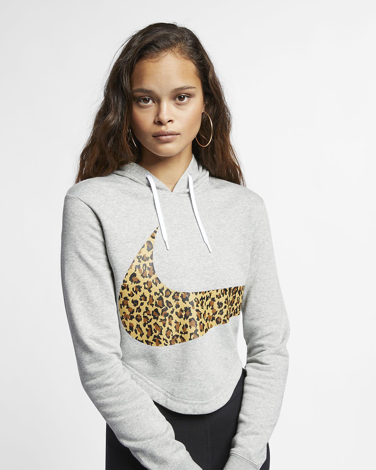 2dfe238a5dac ... Γυναικεία μπλούζα με κουκούλα και animal print σε κοντό μήκος Nike  Sportswear