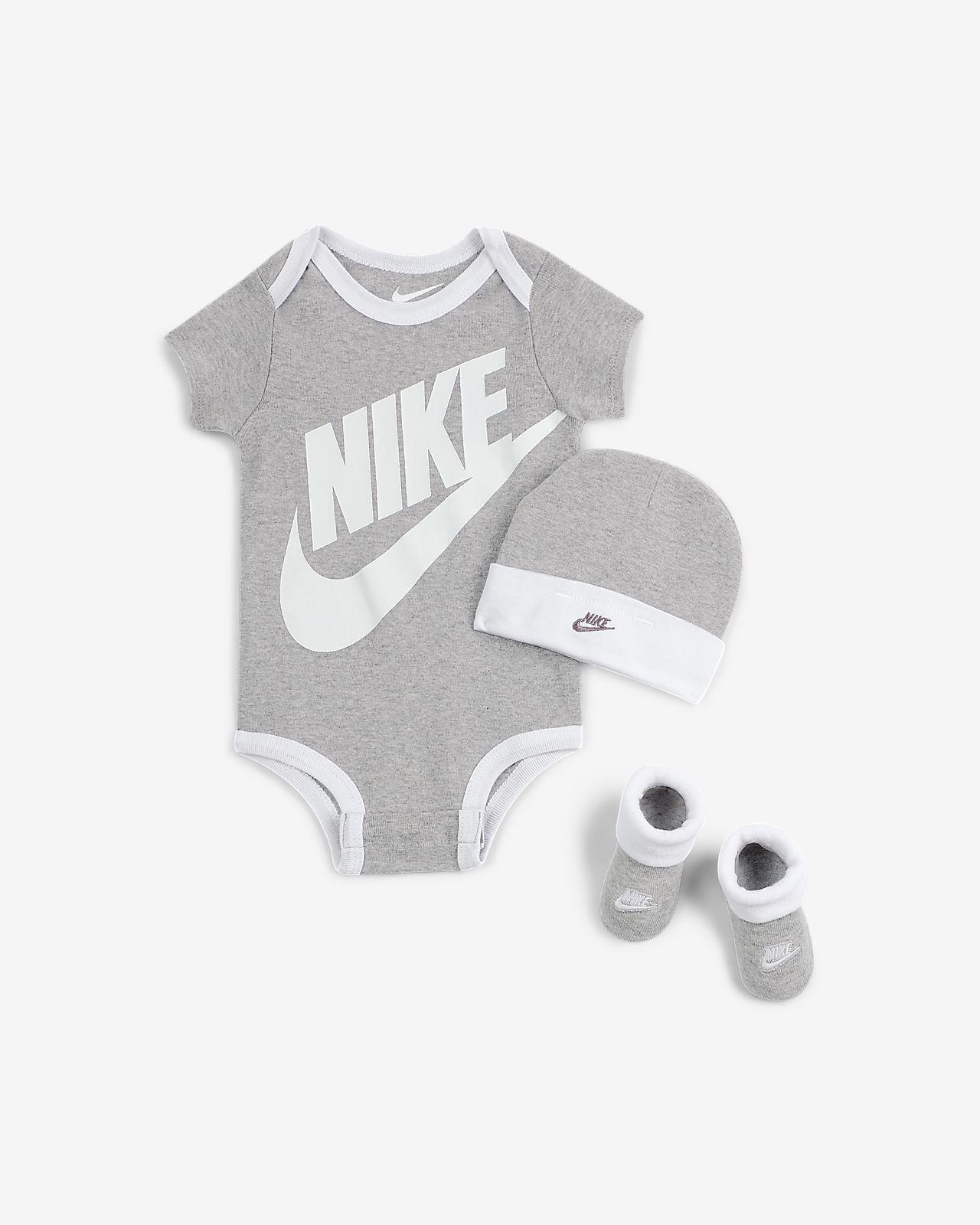 Nike Sportswear body, mössa och tossor för baby