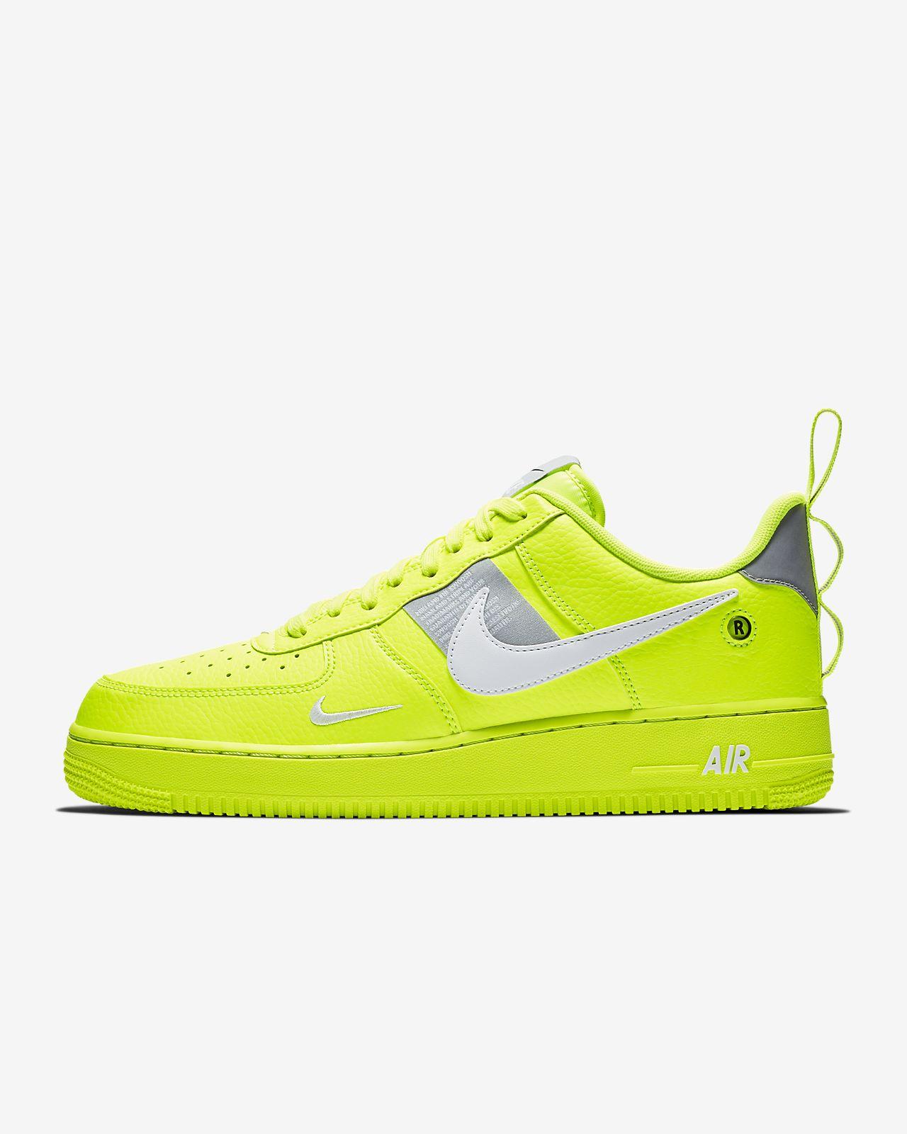 รองเท้าผู้ชาย Nike Air Force 1 '07 LV8 Utility