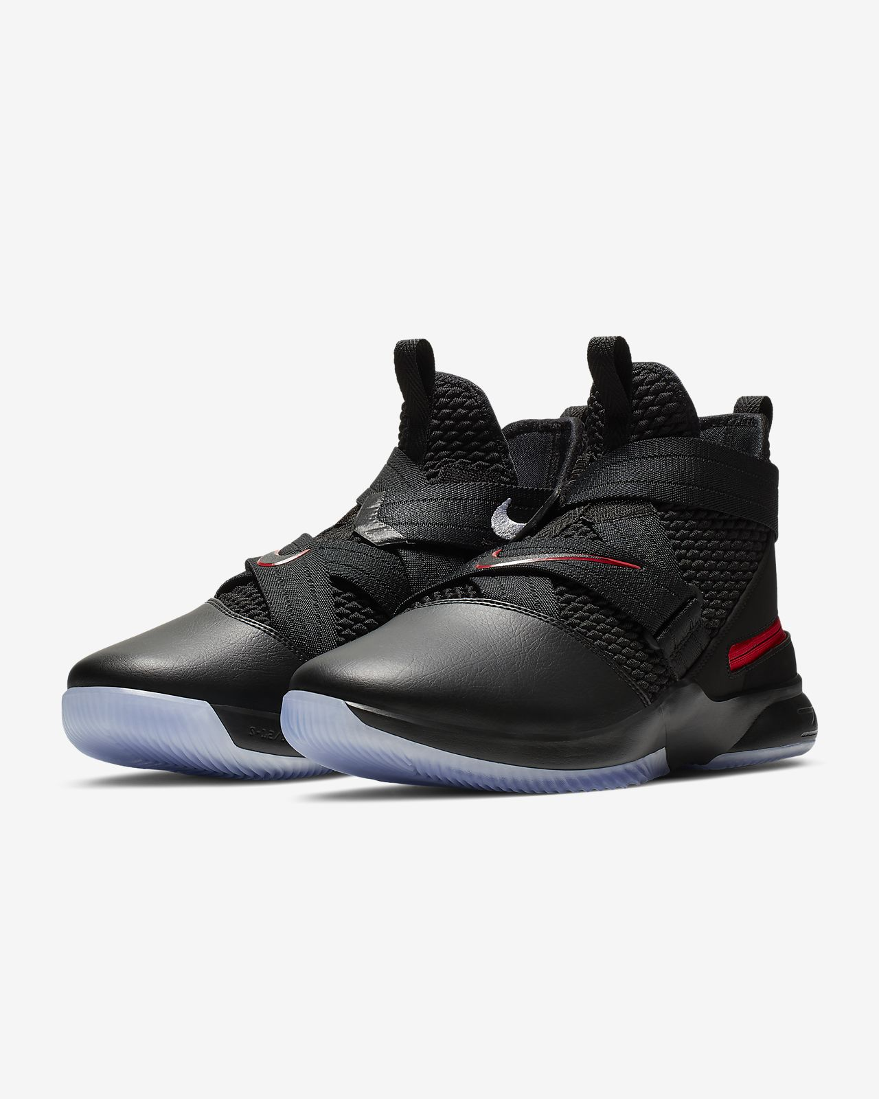 b495dd8a2edf3 LeBron Soldier 12 FlyEase (Extra-Wide) Men s Basketball Shoe. Nike.com