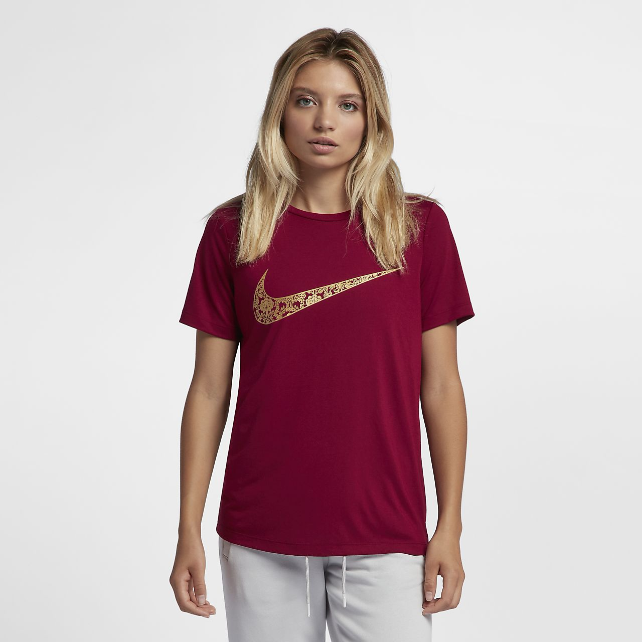 Women's T-Shirt. Nike Sportswear Essential