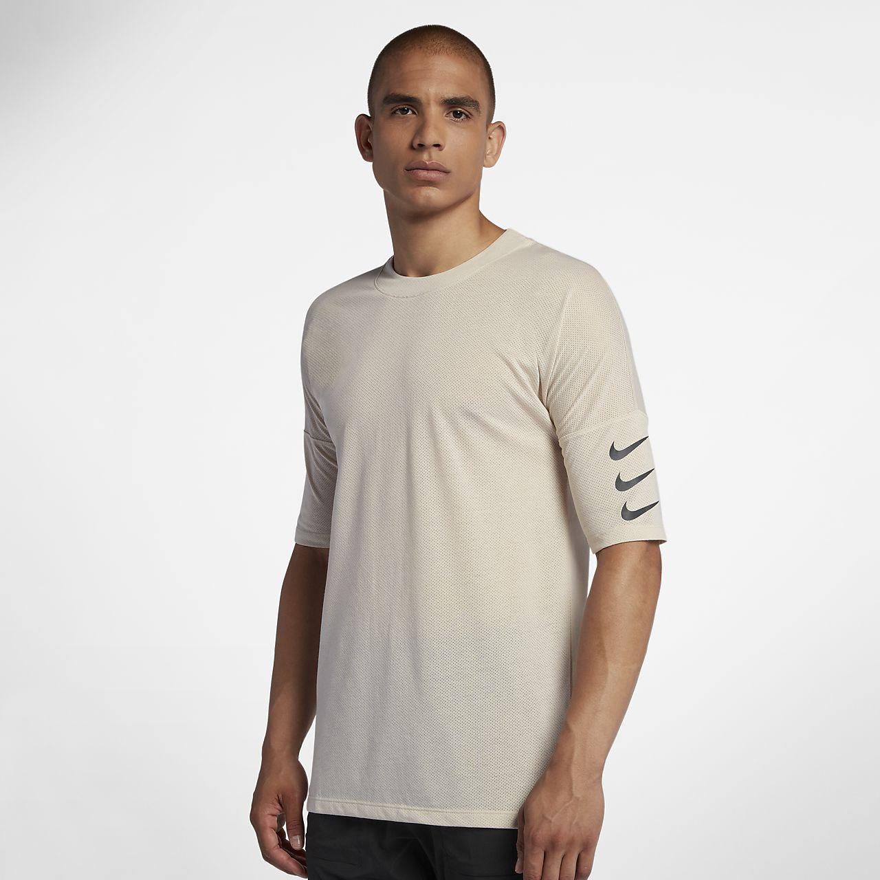 c5680c5c1c4f02 Nike Rise 365 Men s Half-Sleeve Running Top. Nike.com NZ