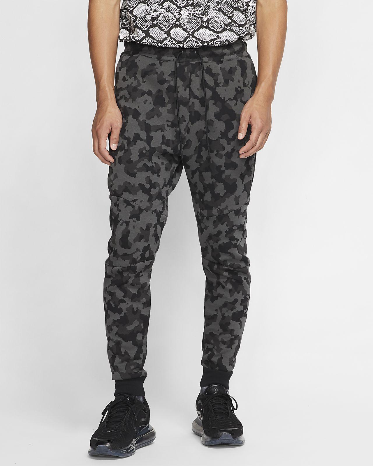 Ανδρικό εμπριμέ παντελόνι φόρμας Nike Sportswear Tech Fleece