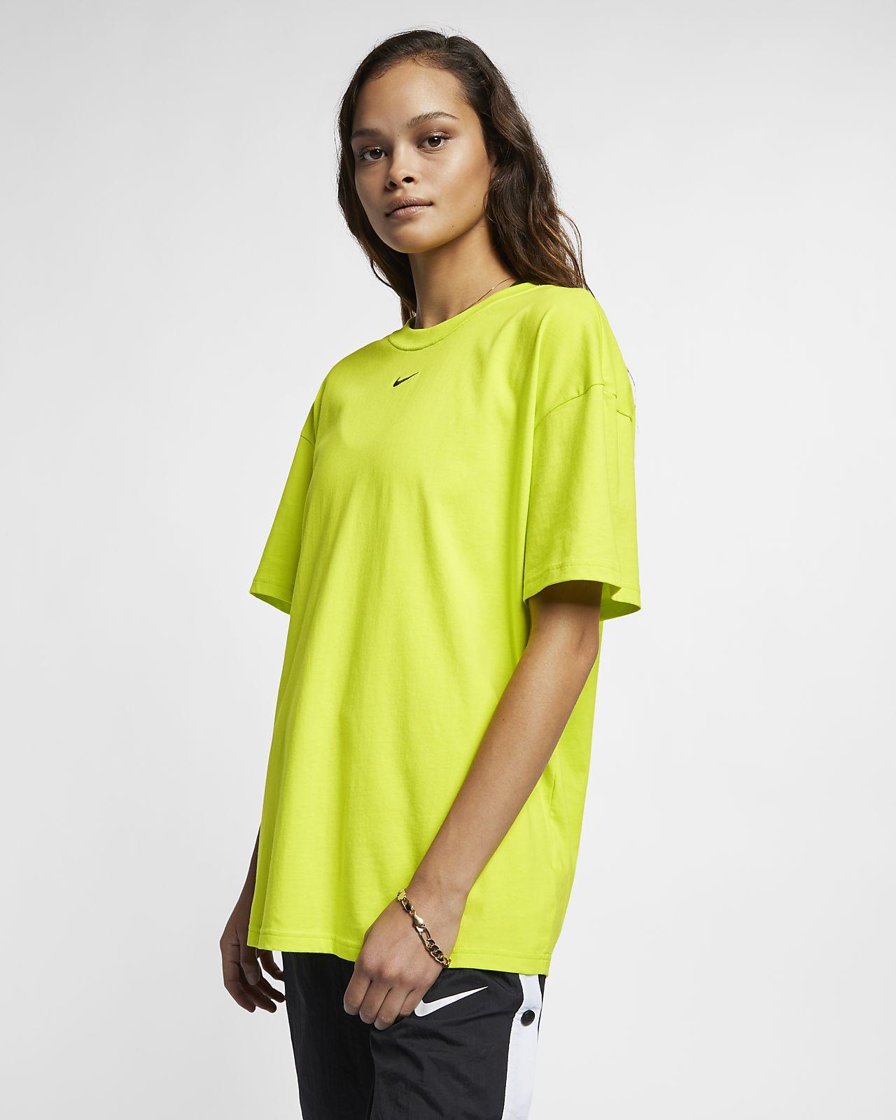 Haut à manches courtes Nike Sportswear Essential pour Femme. Nike.com MA 7322fcfd395