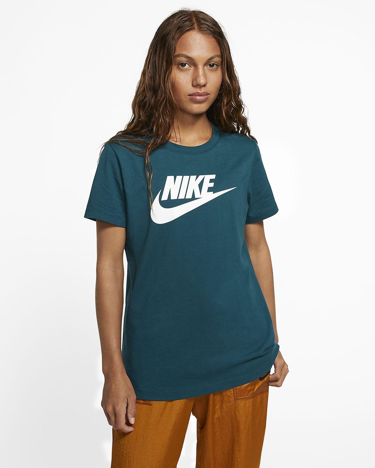 Nike Sportswear Essential T-Shirt