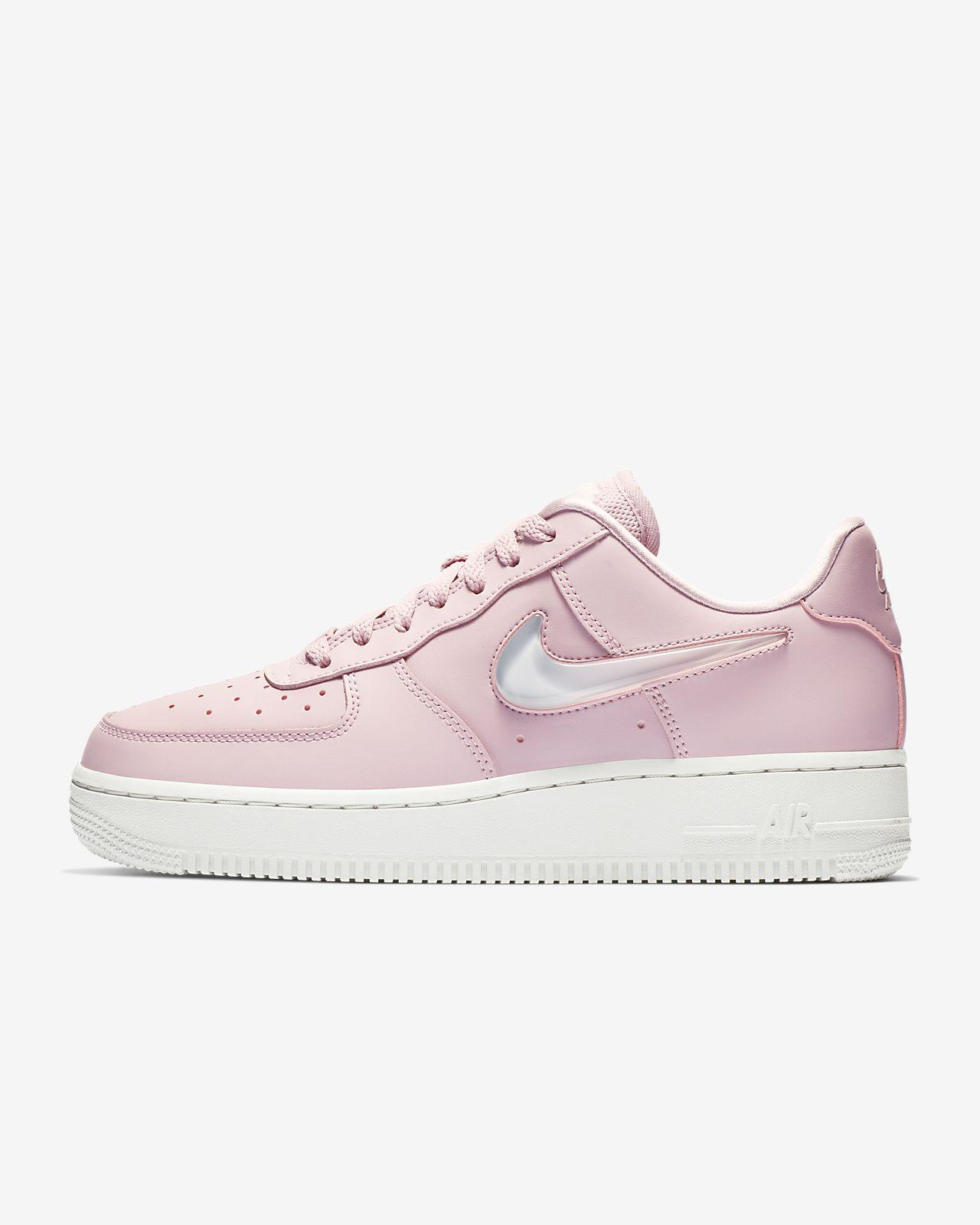 1c656f3522f Nike Air Force 1  07 SE Premium Women s Shoe. Nike.com DK