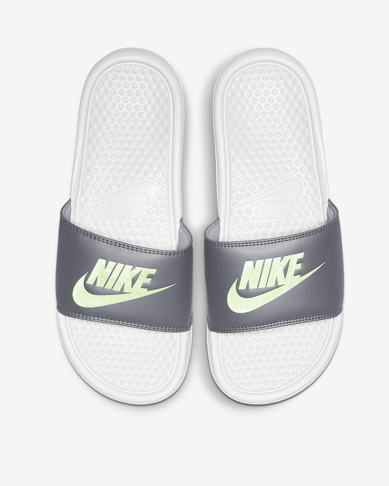 meilleur service 2013b 55960 Claquette Nike Benassi pour Femme