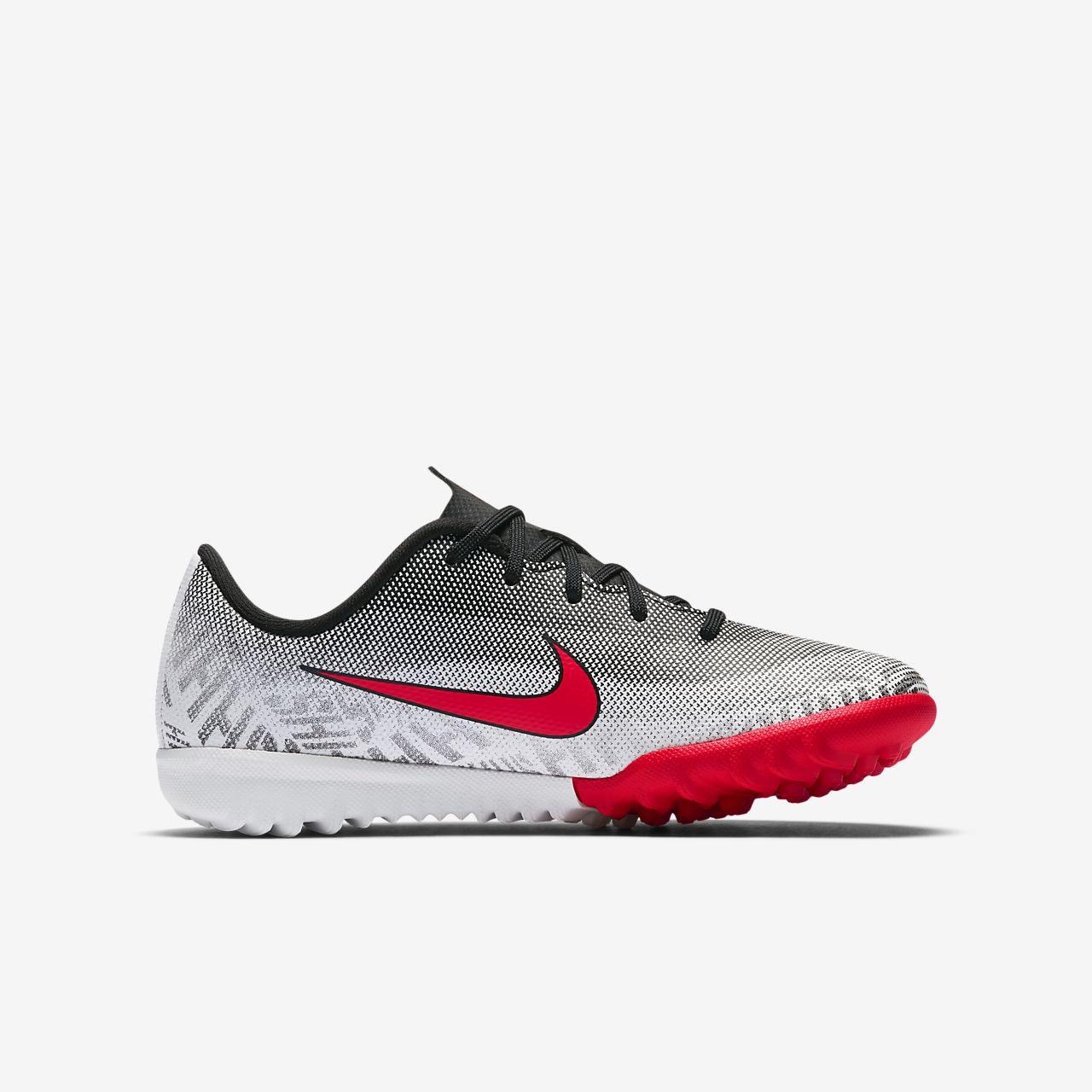 ... Calzado de fútbol para terreno artificial para niño talla  pequeña grande Nike Jr. Mercurial 376a5cd28a02e