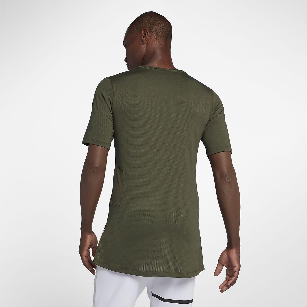 fde0505e46af6 Nike Dri-FIT Men s Utility Short-Sleeve Training Top. Nike.com GB