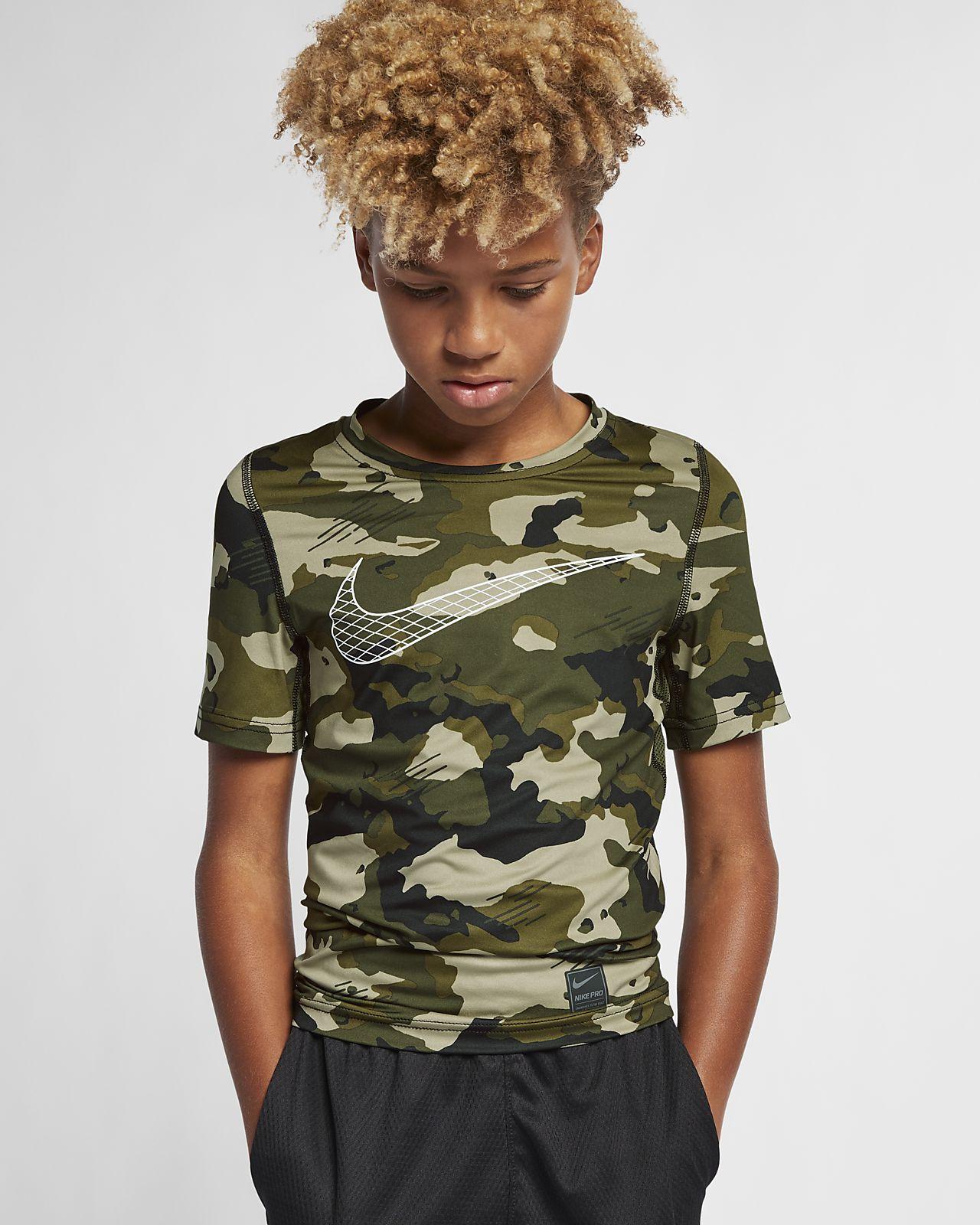 Kortärmad kamouflagemönstrad T-shirt Nike Pro för killar