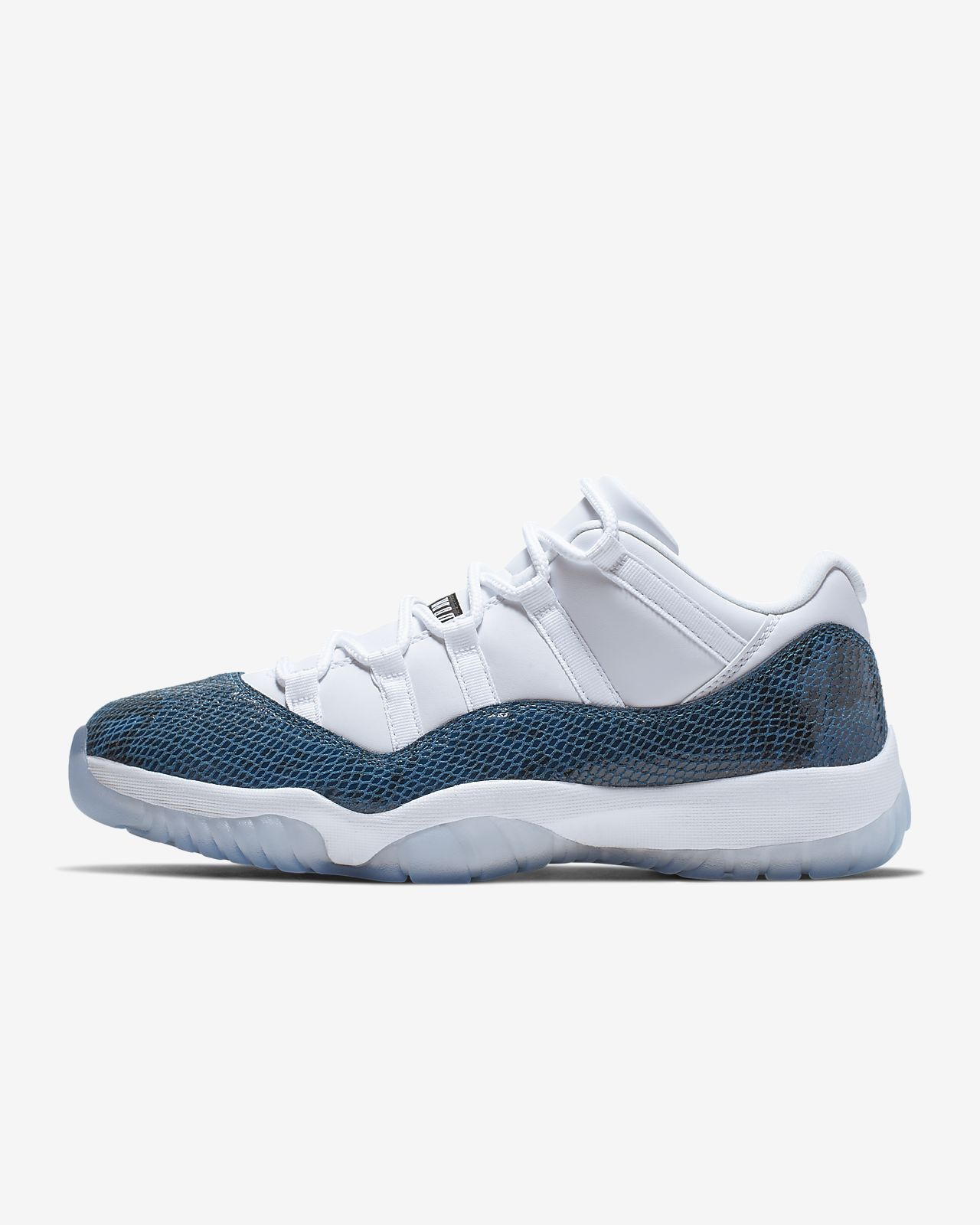 8816e18c0e8 Air Jordan 11 Retro Low LE Men's Shoe. Nike.com