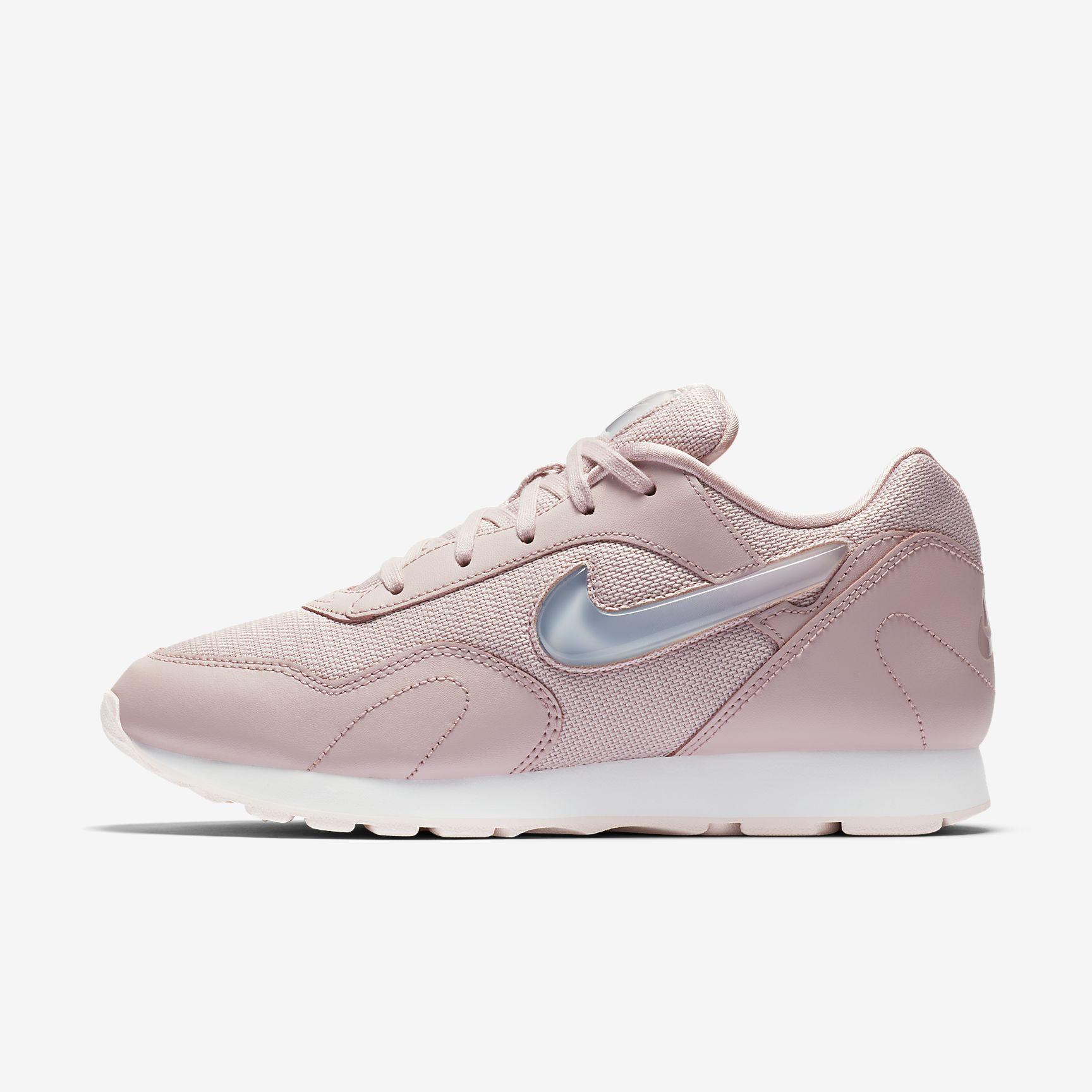 Nike Outburst Premium