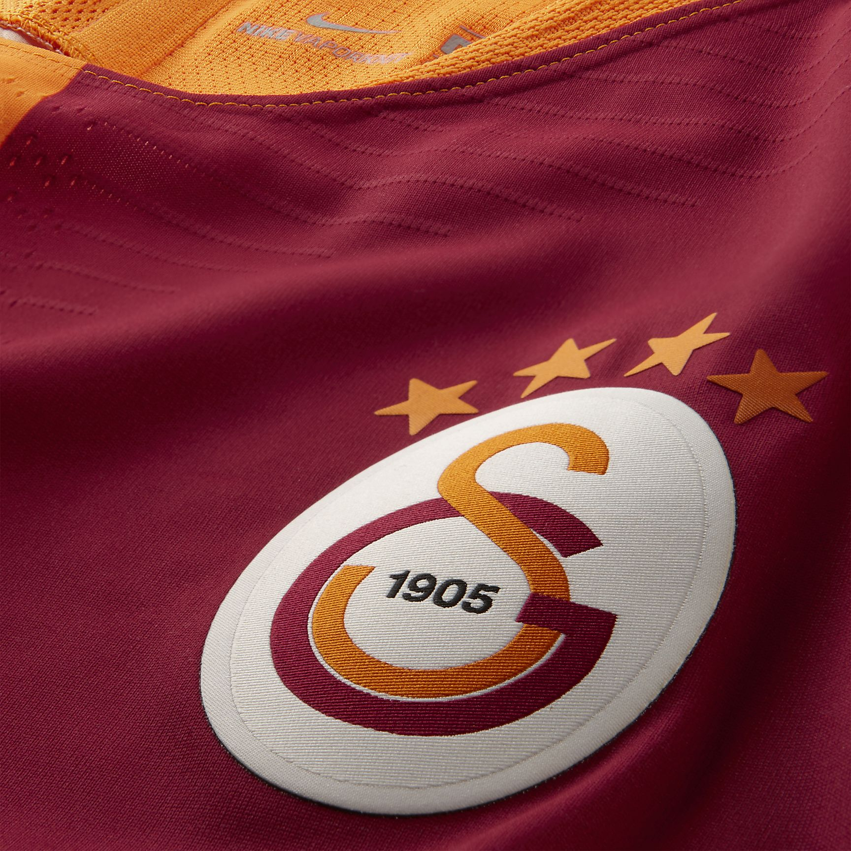 https://c.static-nike.com/a/images/t_PDP_1728_v1/f_auto/x5enk5aefuqoqnlph6ah/2018-19-galatasaray-sk-vapor-match-home-football-shirt-gC8crp.jpg