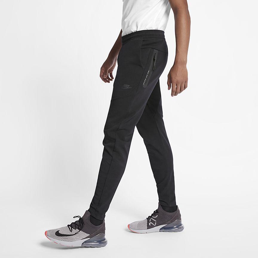 Nike Sportswear Tech Pack