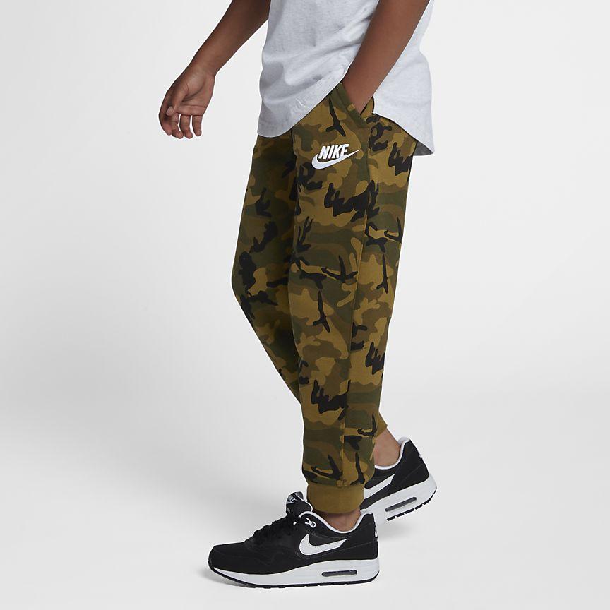 Nike - Nike Sportswear Club Fleece Jogger mit Print für ältere Kinder (Jungen) - 1