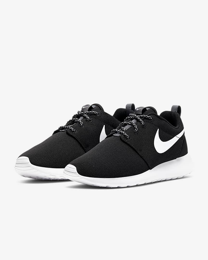 Nike Roshe Courir Femmes Noires / Hommes D'étirement tPFzeyMYx5