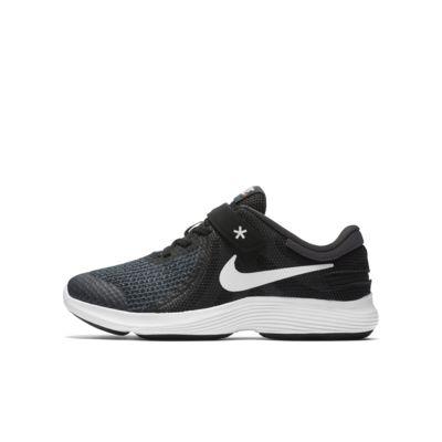 Nike Revolution 4 FlyEase 4E løpesko til store barn