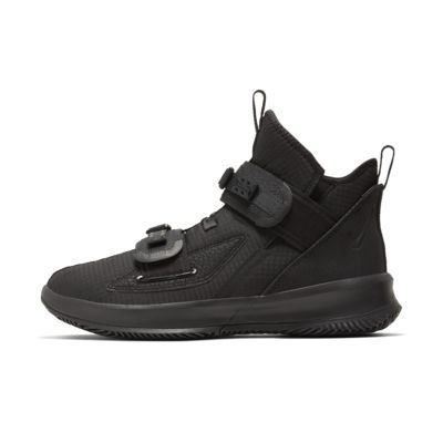 Chaussure de basketball LeBron Soldier 13 SFG