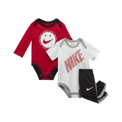 Nike Sportswear DNA 3-Piece 婴童套装
