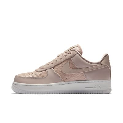 Женские кроссовки Nike Air Force 1 '07 LX  - купить со скидкой