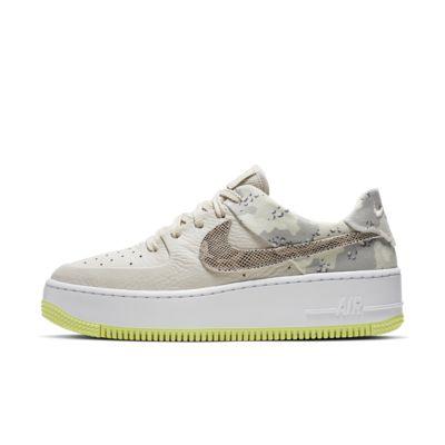 Scarpa Nike Air Force 1 Sage Low Premium Camo - Donna