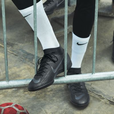 NikeGrip Strike Light Crew Soccer Socks