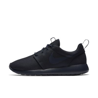 nike roshe mens black and white