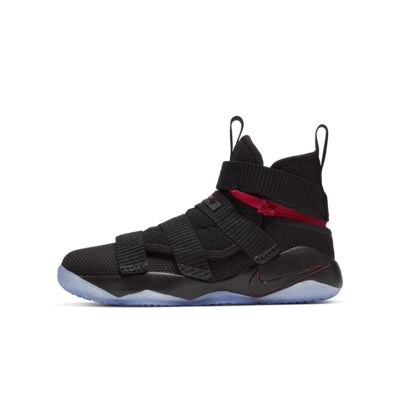 LeBron Soldier 11 FlyEase Older Kids' Basketball Shoe
