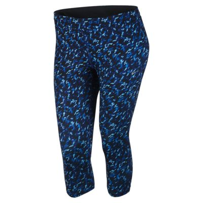 Nike Dri-FIT Essential (Size 1X-3X) Women's Running Crops