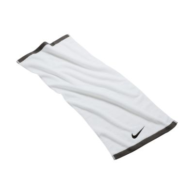 Nike Fundamental 中号毛巾