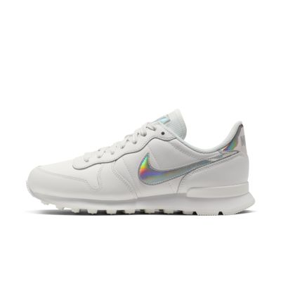 Nike Internationalist SE Women's Iridescent Shoe