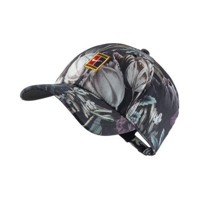 หมวกเทนนิสลายดอกไม้พร้อมโลโก้ NikeCourt Heritage86