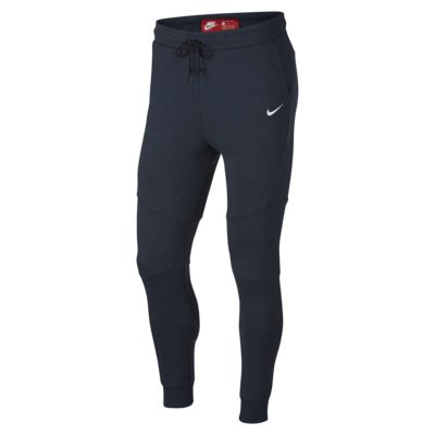 Męskie spodnie typu jogger FFF Tech Fleece