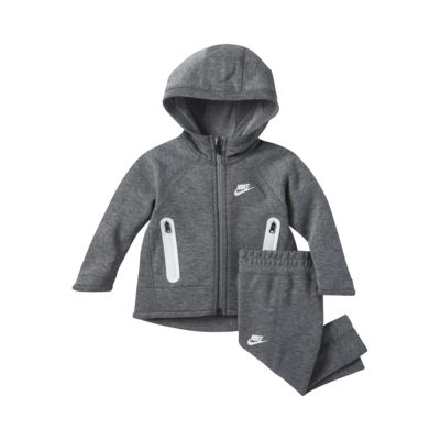 Nike Sportswear Tech Fleece Tweedelige babyset (12-24 maanden)