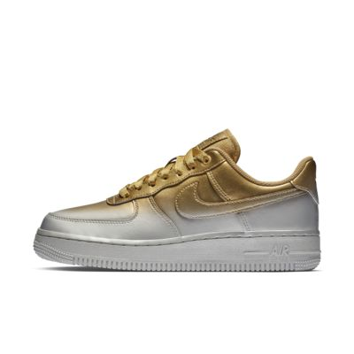 【ナイキ直営店 / Nike.com限定カラー】ナイキ エア フォース 1 '07 ラックス ウィメンズシューズ