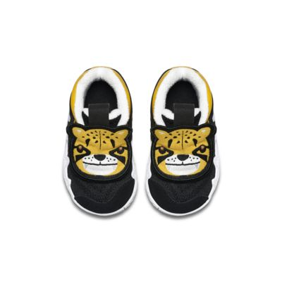 Kyrie 4 Little Big Cats Toddler Shoe